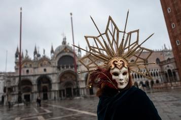 Un carnaval de Venise sans touristes)