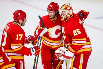 Flames5— Canucks 2 Le gardien Jacob Markstrom se paie encore son ancienne équipe)