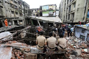 Effondrement d'un immeuble en Inde: 39 morts, selon un nouveau bilan)