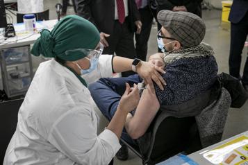 Vaccination des 85 ans et plus  Les proches aidants accompagnateurs pourront être vaccinés)