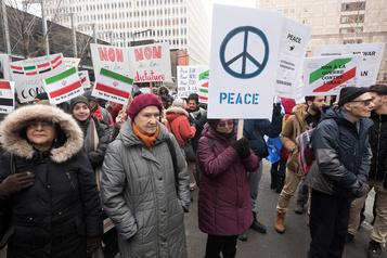 Manifestation contre la menace de guerre envers l'Iran