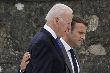 Crise des sous-marins Macron s'entretiendra avec Biden)