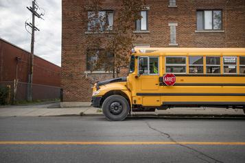 Le transport des élèves aurait été un problème majeur le printemps dernier)
