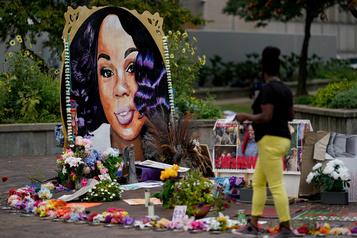 Mort de Breonna Taylor: une décision judiciaire relance la colère aux États-Unis)