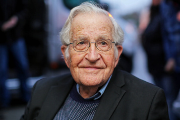 Le monde d'après: les États-Unis «courent au précipice», avertit Noam Chomsky)