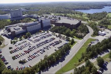 Université Laurentienne L'Assemblée nationale dénonce les compressions à l'unanimité)