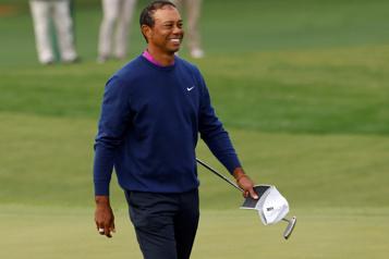 Accident de voiture  Tiger Woods «se rétablit» après des interventions chirurgicales réussies)