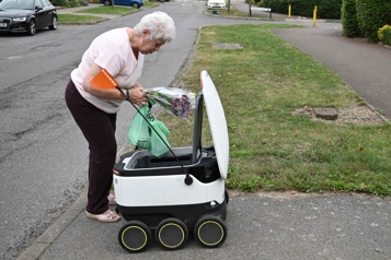 Royaume-Uni Les robots livreurs se multiplient avec la pandémie)