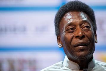 Opéré pour une tumeur au côlon Pelé assure qu'il va «mieux»