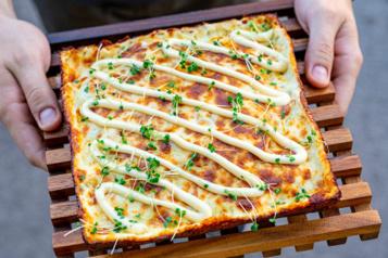 Succomber à la pizza style Detroit du Michigan)