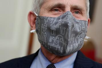 COVID-19 L'administration Biden va distribuer des masques aux Américains pauvres)
