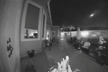 Une caméra domestique capture un météore dans le ciel de Floride)
