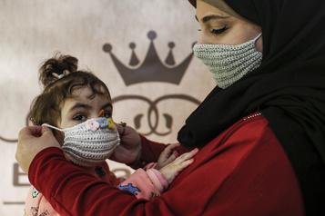 Le bilan de la pandémie dans le monde: plus de 1468000 morts)