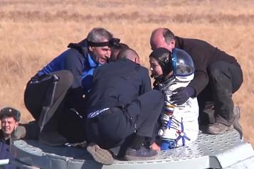 L'équipe russe ayant tourné le premier film en orbite revient sur Terre