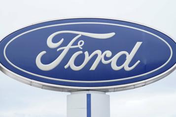Pénurie de semi-conducteurs Ford croit avoir mieux géré la crise que prévu et relève ses prévisions)