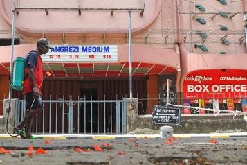 Inde: la fermeture des cinémas intensifie la compétition avec le streaming)