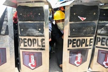 Birmanie Trois manifestants tués, intensification de la grève générale)