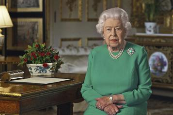 ElisabethII appelle les Britanniques à la résilience