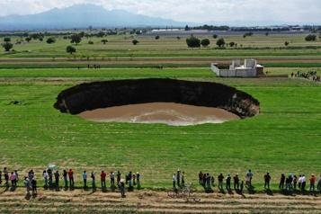 Un gigantesque gouffre apparaît dans le centre du Mexique)