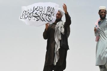 Les talibans affirment contrôler 90% des frontières afghanes )