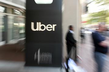 Reprise de l'économie Uber voit les passagers revenir dans ses voitures)