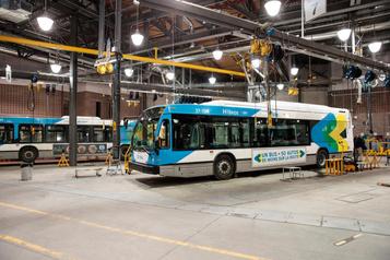 Électrification des autobus: au moins 1 milliard pour adapter les garages de la STM