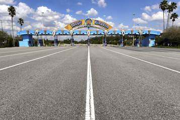 La NBA discute avec Disney pour reprendre sa saison à Orlando fin juillet)