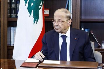 Explosions à Beyrouth: l'enquête prendra du temps avertit le président libanais)
