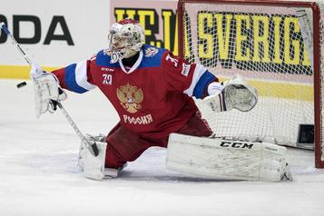 Les Islanders mettent le gardien Ilya Sorokin sous contrat )