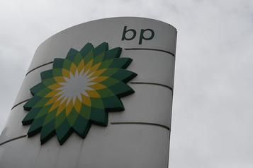 BP réduit ses pertes, mais reste à la merci de la faiblesse des cours du pétrole)