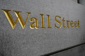 Wall Street termine dans le rouge après un nouveau repli de la technologie)