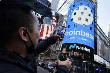 Coinbase flambe pour son entrée au NASDAQ)