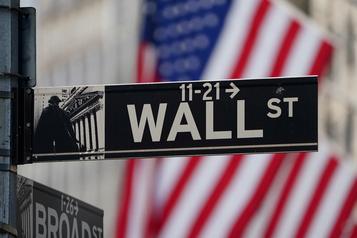 Wall Street termine en hausse, sur des espoirs d'un nouveau plan d'aide économique)