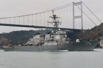 Tensions Russie-Ukraine Le déploiement prévu de deux navires de guerre américains en mer Noire annulé )