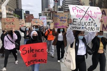 Partage de photos intimes sur Telegram Des manifestants défendent les droits des femmes)