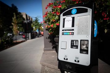 Montréal modernise sesbornes de paiement de stationnement