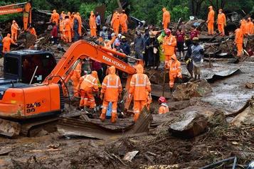 Au moins 43morts après un glissement de terrain en Inde)