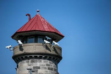 Centre de surveillance de l'immigration de Laval Quatrième grève de la faim en un an pour des migrants détenus)