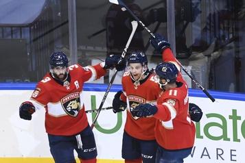 Les Panthers évitent l'élimination)