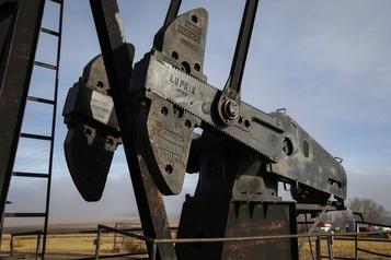 Le pétrole toujours stable dans une séance calme