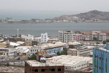 Au Yémen, les séparatistes encerclent des forces gouvernementales dans le Sud