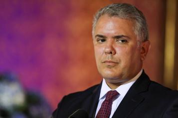 La Colombie régularisera près d'un million de migrants vénézuéliens)