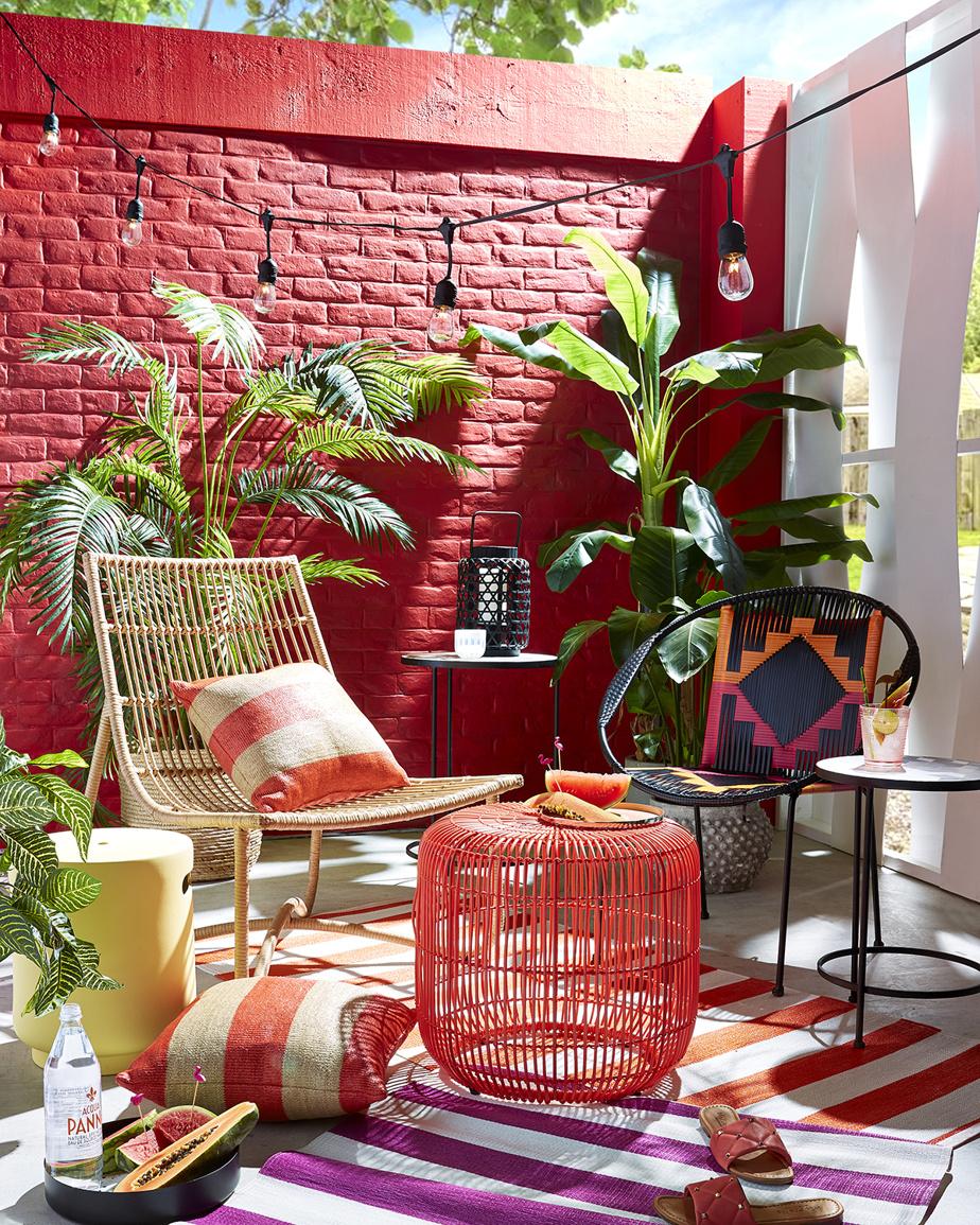 Plus que jamais, la nature sert d'inspiration. «Cela transparaît dans le recours aux matières naturelles, comme le rotin et le bambou, ainsi que dans les formes douces et organiques du mobilier», constate Erin O'Brien, experte en décoration chez HomeSense.