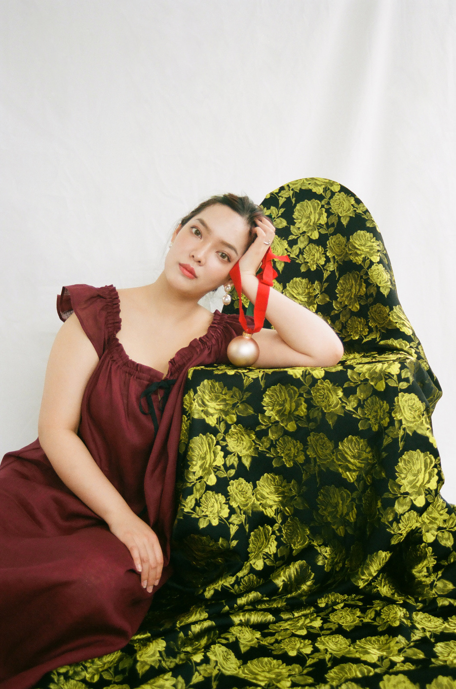 La Party Nightie d'Eliza Faulkner + The Sleep Shirt en lin bordeaux