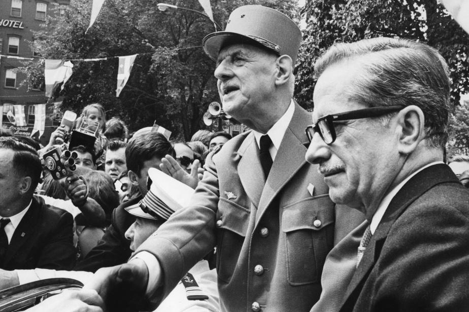 Le général de Gaulle en compagnie du premier ministre Daniel Johnson, en 1967