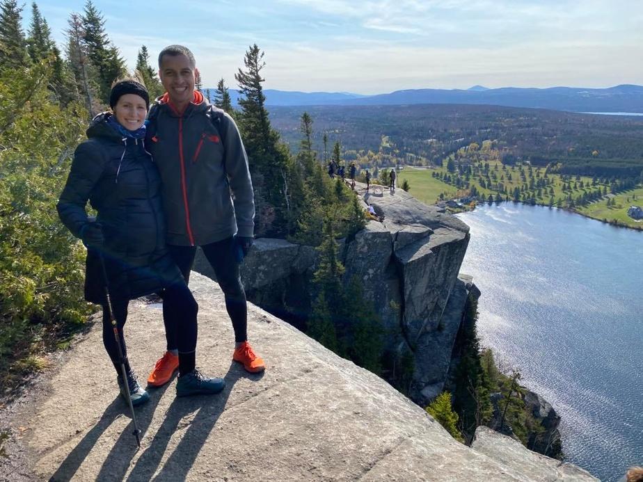 «Pour maintenir ma santé physique et mentale, je fais de la randonnée pédestre, dit Jessy Rivard. Parfois, j'opte pour une sortie dans un bois aux alentours, question de saluer des gens et d'échanger un sourire au passage.»