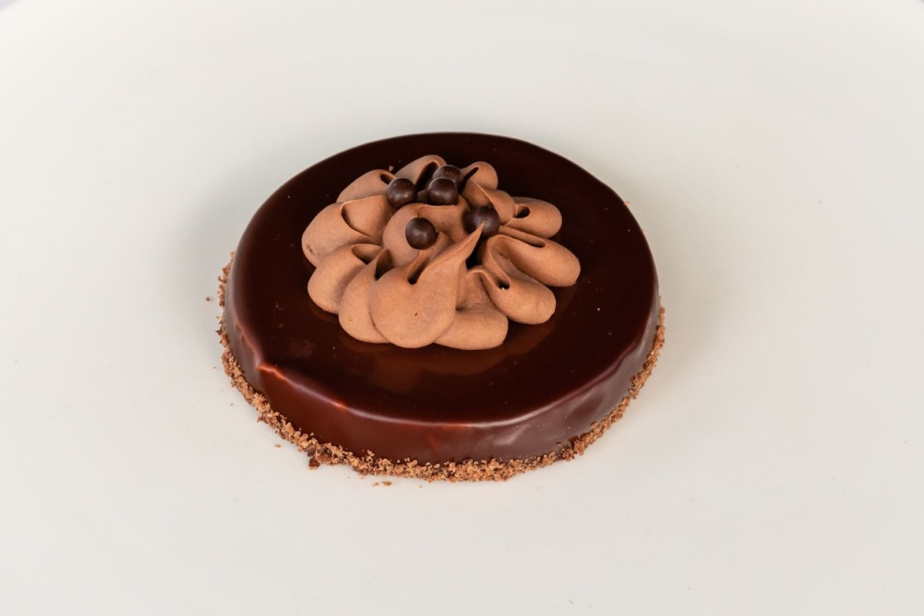 Un gâteau au chocolat, banane, arachides et caramel créé par Masami Waki