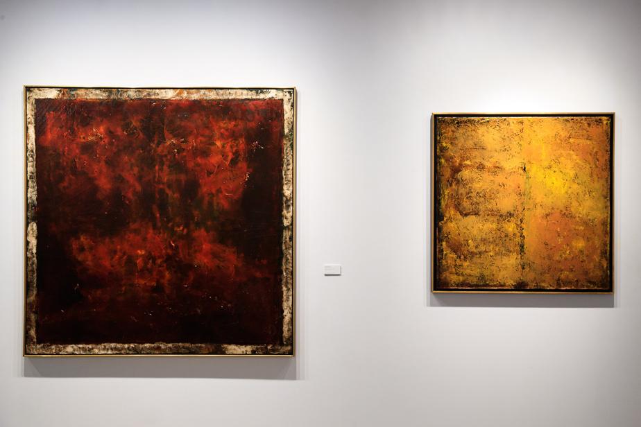 Deux huiles de Jean McEwen, Laque d'un pays rouge (1972), à gauche, et Odeur de jaune (1961), à droite, parmi les quatre œuvres du peintre montréalais qui a marqué les artistes de sa génération.