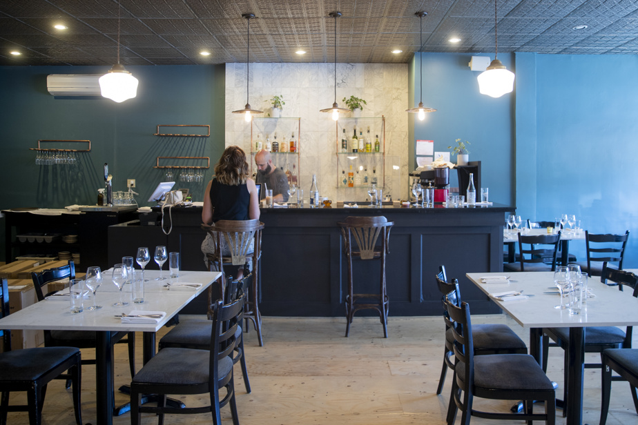 C'est Simon Mathys et son paternel, ancien ébéniste, qui ont rénové eux-mêmes le local du restaurant.
