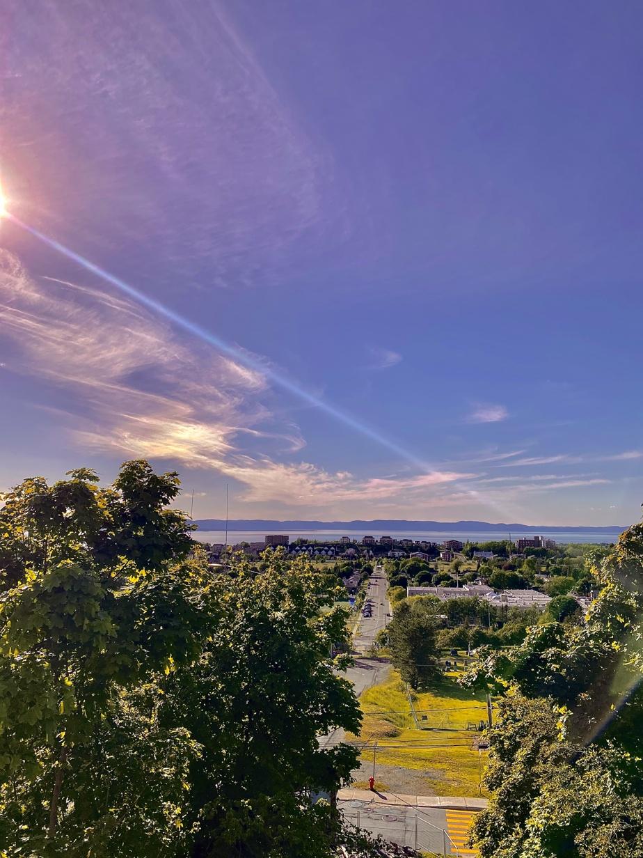 «Rivière-du-Loup est une ville dynamique d'une grande beauté. Cette photo est prise du plus haut point de vue de la ville.»